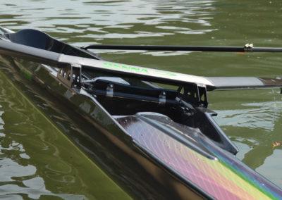 Imbarcazione da gara per vogatore, per canottaggio. Modello FLUIDO di Marcello Renna, vogatore Giorgio Tuccinardi.